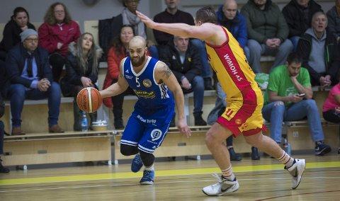Karl Otabor og Fyllingen leverte en meget god 1. omgang i den andre kvartfinalekampen mot Frøya. Det holdt akkurat seier, og en tredje og avgjørende kamp mot i basketsluttspillet.
