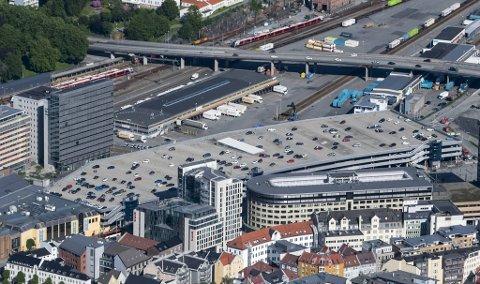 Parkeringen i Bergen sentrum har gått kraftig ned. (Arkivfoto)
