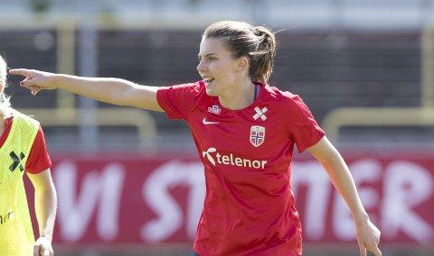 Landslagsspiller Cecilie Kvamme (25) innrømmer at tiden i West Ham har vært tung, og nå vurderer hun en retur til norsk fotball og Sandviken.