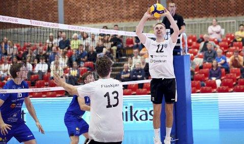 TIF Viking og Jonas Langlo var favoritter i cupfinalen mot erkerival Førde. Det ble likevel 2-3-tap med samme kampforløp som i cupfinalen i fjor.