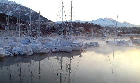 PENT VÆR: Det blir lite og ingenting nedbør framover, og kaldt. Dette bildet er fra en kald dag i mars 2013. Foto: Odd-Georg H. Benjaminsen.