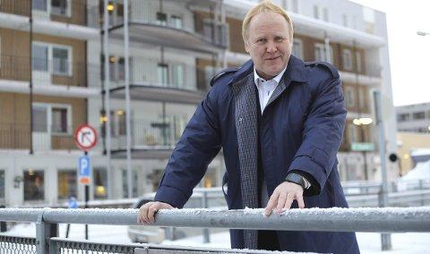 Fremskrittspartiets Jan-Olav Opdal ønsker på vegne av sitt parti ikke å båndlegge Fremneslia til asylmottak. - For oss er inntekter og arbeidsplasser det viktigste, sier han.