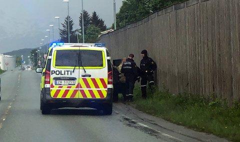 STAKK I TAXI: Kvinnen ble stoppet langs hovedveien på fastlandssiden av Tromsø.