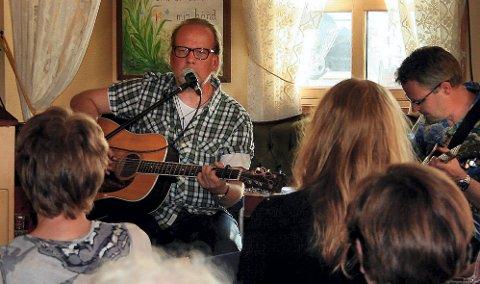 Roy Lønhøiden er trofast gjest hos Frelsesarmeen julekvelden. Så også i år.