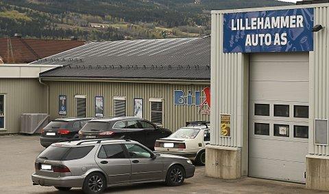 Bostyrer konkluderer med at det er ingen ting å hente for kreditorene etter konkursen for Lillehammer Auto AS. Innehaveren sier han brukte 400.000 kroner av egen lomme for å berge driften.