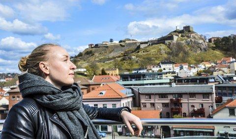FORLATER FESTNINGSBYEN: Mina Authen er forsvarssjefen som nå forlater festningen. Nye utfordringer i livet venter i hovedstaden.