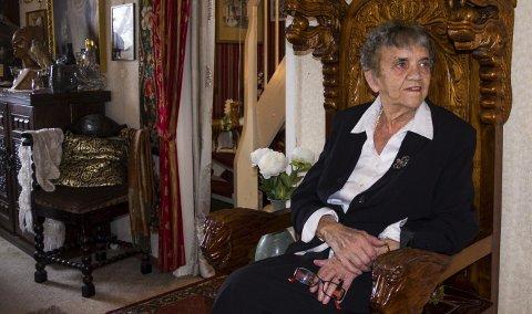1 Erna Moen fyller 90 år 9. september. 2 slik så Erna Moen ut da hun var 20 år 3 I løpet av sine 90 år har Erna Moen opplevd langt mer enn mange andre. Alle foto: Sara Helen Engmo