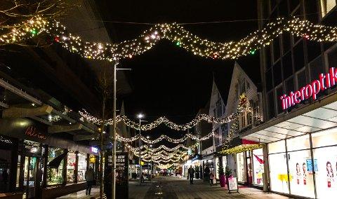 MER LYS: De nye lysene kom på plass i Haraldsgata i fjor.