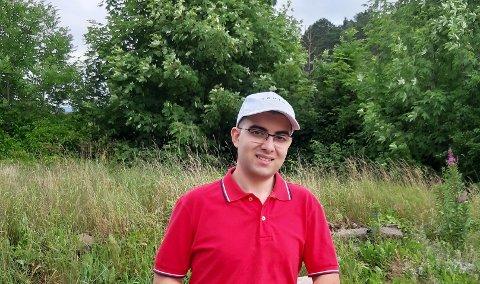 VANVITTIG VITNEMÅL: Kenan Hajouz gikk ut av videregående skole med 16 seksere og én femmer.