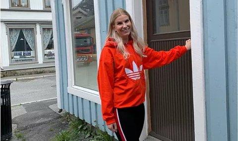 SENTRUM: Daglig leder i Galleria kunstfestival, Annika Honggard  på det som skal bli åpent kontor  i Sjøgata under festivaluka.