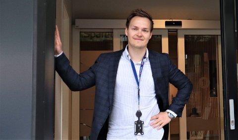 Bekymret: Megler Jan Øyvind Westby mener at feil bruk av Facebook på boligsalg kan senke salgsverdien.
