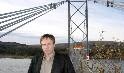 STORT HÅP: Ett av Frank Martin Ingilæs store håp som ordfører, er blant annet å få se den nye brua  i Tana fullført før han går av i 2019.