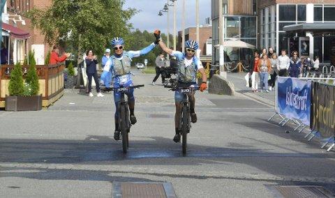 4. Plass: Det var mange som lot seg imponere av sykkelrittet til Henrik Arntzen Joks (17) i OF300. Sammen med pappa Stein syklet han inn til en 4. plass i herreklassen i den tøffe utgaven av årets utgave av Offroad Finnmark.
