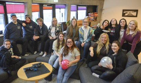 TILBUD TIL UNGDOMMENE: Kom.inn-leder Margit Djuve Edland har vært med siden starten, og i 16 år har Kom.inn vært en samlingsplass for blant annet City-ungdommene.