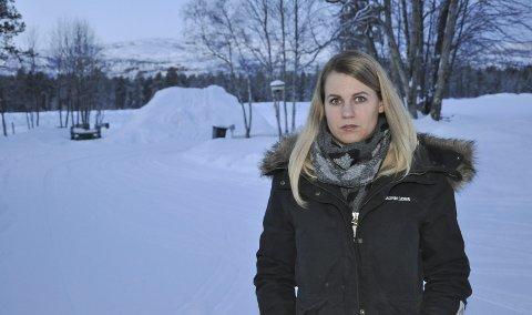 MARKERING: Leder Jeanette Tiberg er for FAU ved Kåfjord skole, og tirsdag går elevene på skolen ut i streik. Foto: Oddgeir Isaksen