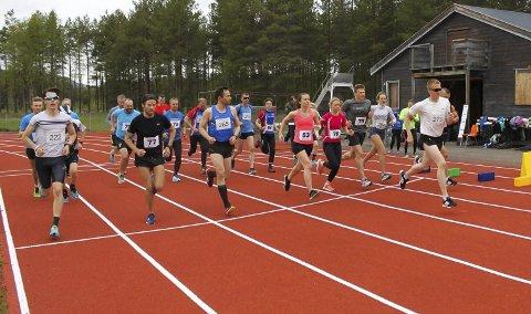 TRADISJONSRIKT LØP: Mila 2017 ble arrangert på søndag 25. juni. Daniel Strand var igjen raskest, men det var løpets yngste og eldste løper som imponerte arrangørklubben mest. Foto: Alta IF - Friidrett