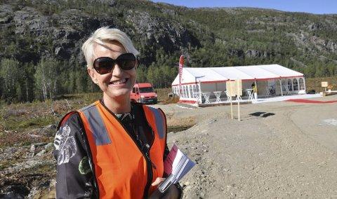 FJERNET FLASKEHALS: Kommunikasjonssjef i Statnett, Berit Erdal, sier strømforsyningen til Finnmark vil bli bedre når en ny kraftledning nå er på plass.  Arkivfoto: Oddgeir Isaksen