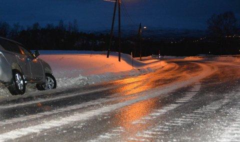 GLATT: Temperaturene langs kysten av vest og store deler av Øst-Finmnark vil holde seg rundt null, og det er her det blir ekstra fare for underkjølt regn.