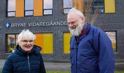 PENSJONERTE VETERANAR: Johanne Stageland (65) arbeidde som idrettslærar ved Bryne vgs i 40 år, Reidar Kydland (70) kan sjå attende 34 år som lærar i engelsk og samfunnsfag, først ved Time vgs, så ved Bryne.