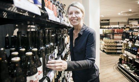 Smaken av øl: Jarlsberg-redaktør Ingunn Larsen har latt seg sjarmere av humle, malt og gjær. Hun har sågar skrevet bok om det.foto: alexander svanberg