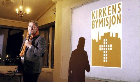 Kafé: Eric A. Laetare fra Kirkens Bymisjon fortalte om planene for å etablere lavterskeltilbudet, først en kafé, så er planen å lage et sysselsettingstilbud lik det man har i Tønsberg. Foto: Pål Nordby
