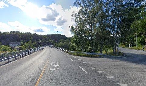 FYLLEKJØRTE: En mann i 40-årene fra Kragerø skal ha kollidert i autovernet i nærheten av dette området fredag kveld.