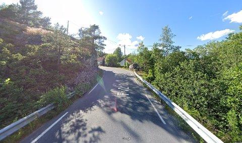 Denne strekningen på Fossingveien skal utvides og utbedres i forbindelse med Hellesund-utbyggingen.