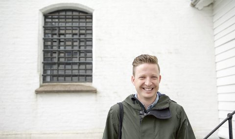 NY BOK: Anders Totland er klar med ei ny bok. Foto: Svein Olav B. Langåker