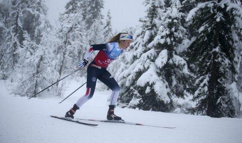 STOR FRAMGANG: Karoline Simpson-Larsen fra Rollag har hevet det tekniske nivået og kommer seg stadig raskere fram. FOTO: ERIK BORG