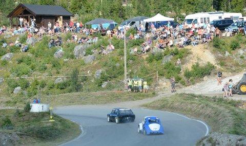 FOLKEFEST: NMK Nore og Uvdal vil gjøre landsfinalen i bilcross til en folkefest lørdag 29. august. Dette bildet er fra landsfinalen i Smådøl i 2014. FOTO: OLE JOHN HOSTVEDT