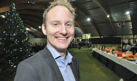 Glede: Ordfører Remi Solberg i Vestvågøy kommune, er MOT-leder og oppfordrer alle til å ha mot til å glede andre og gi dem et smil. Foto: Lise Fagerbakk