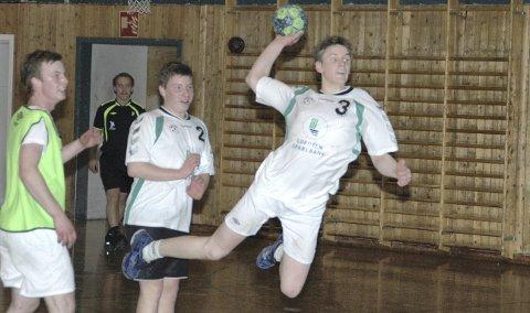RomjulshåndbALL: Nytt av året er det at romjulsturneringa i håndball arrangeres i Blesthallen. Foto: Eirik Eidissen