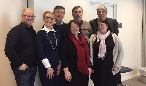 Enstemmig: Fra venstre: Odd Roger Enoksen (nestleder), Hulda Gunnlaugsdottir (styreleder), Olav Farstad (styremedlem), Are Johansen (aksjonsgruppa), Elisabeth Holand (aksjonsgruppa), Paul Martin Strand (direktør NLSH), Beate Sørslett (medisinsk direktør NLSH). Foto: Privat