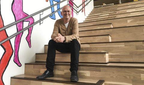 Karl - Inge Borgen har vært rektor ved Svolvær skole på  Vestermyra de fire siste årene. Nå slutter han, etter å ha fått tilbud om rektorstilling ved Vestmyra skole i Fauske. Foto: Synne Mauseth