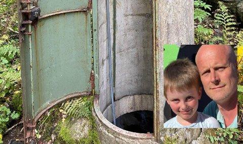 ULÅST: Stian Guldhaug og sønnen Sebastian (5) oppdaget tårnet med åpen dør i skogen.