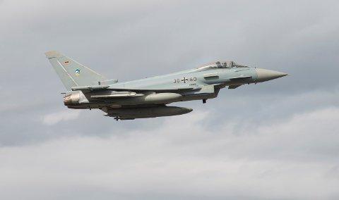 ANKOM BODØ: Her ankommer en tysk Eurofighter til Bodø tidligere fredag. Mandag starter storøvelsen i det nordnorske luftrommet som du garantert vil merke.