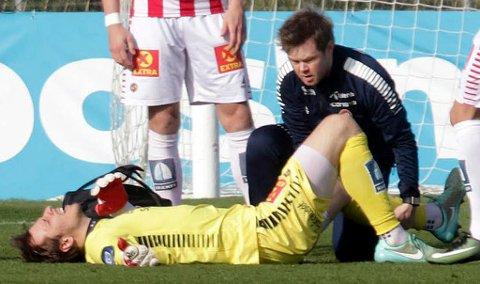 Filip Loncaric skadet kneet sitt mot Sandefjord i La Manga. Torsdag slo han opp skaden igjen, og blir ute i overskuelig fremtid.
