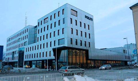 PÅGREPET: Målselv-kvinnen ble fraktet til Tromsø politistasjon, og  var lørdag formiddag fortsatt i politiets varetekt.