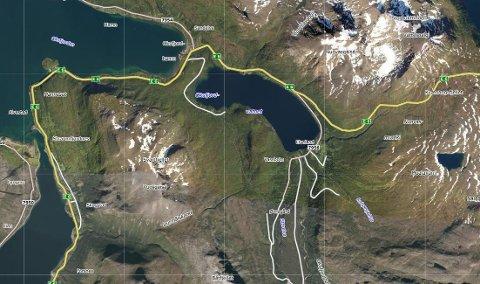 SKUTERULYKKE NATT TIL LØRDAG: Ulykken skjedde ved Oksfjordvannet i Nordreisa.