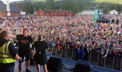 KJENTE TRYKKET: Prosjektleder Geir Nybråten fikk erfare hvordan der er å stå på scenen foran minst 10.000.