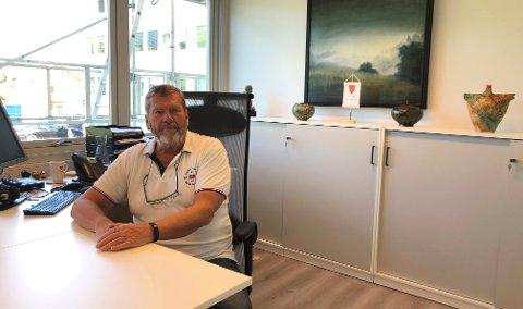 VIL BEGRENSE: Ordfører Tom Anders Ludvigsen oppfordrer innbyggerne i Vestby til å reise minst mulig ut av kommunen.