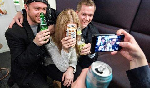 Unge har andre drikkemønstre enn eldre, med høyre konsum per gang, men sjeldnere inntak av alkohol. Foto: Gorm Kallestad, NTB scanpix/ANB