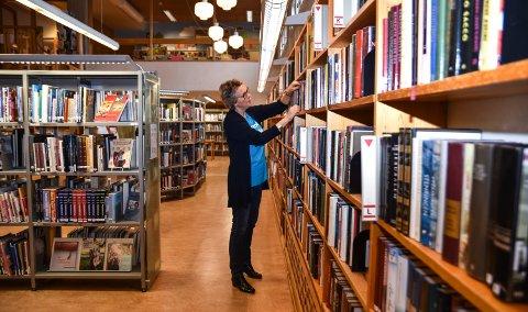 JOBBER VIDERE: Biblioteksjefstillingen i Elverum utlyses på ny. Tora Jervell er konstituert ut året.