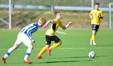 Andreas Fossmo, her fra en kamp for Stålkam, spiller nå for Kvik. I februar er han trolig tilbake i trening etter øyeskaden.