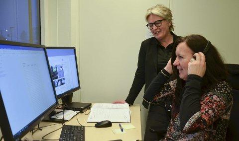 Slipper å vente: Inger Sønderaal og Anne Kristine Hjelt var på vakt mandag. De tar imot samtaler, vurderer hvilke tiltak som eventuelt skal gjøres og rykker ut ved behov. De dekker et stort område. Basen ligger i Ringsaker. Foto: Jeanette Sandbæk Håland