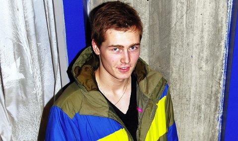Ishockey: Magnus Eikrem Haugen (15) debuterte for Norge. 21. desember 2010