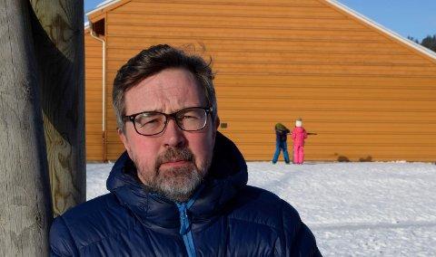 MYKERE: Skolefaglig rådgiver i Jevnaker kommune, Hans Olav Rørvik, tror at endringen vil gi dem som begynner på skolen en mykere oppstart.