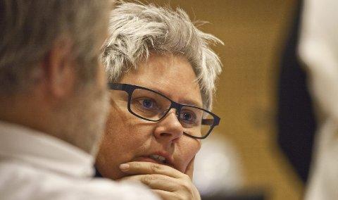 Heidi Sorknes i Hurum Høyre sier at partiet bryter samarbeidsavtalen med Frp og KrF.