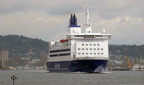 I FARE: Jobbene til sjøfolkene på båtene som går fra Sandefjord til Strömstad står i fare når Kiel-ferjene flagges ut.