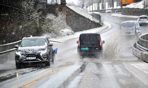 VINTER: Meteorologene har varslet om vanskelige kjøreforhold i Sarpsborg tirsdag.